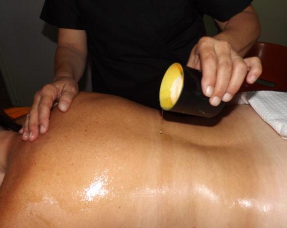 Massaggio con la candela o candle massage