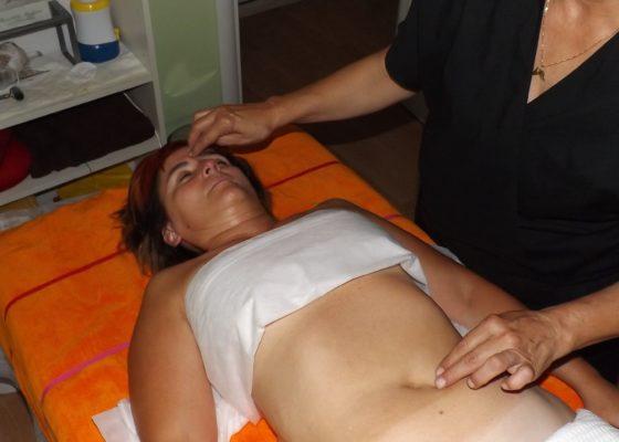 Massaggio ombelicale