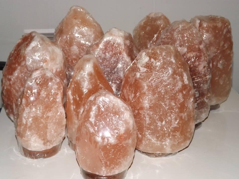 Lampada Di Cristallo Di Sale Ionizzante : Lampade e prodotti di sale roma grotta sant agnese
