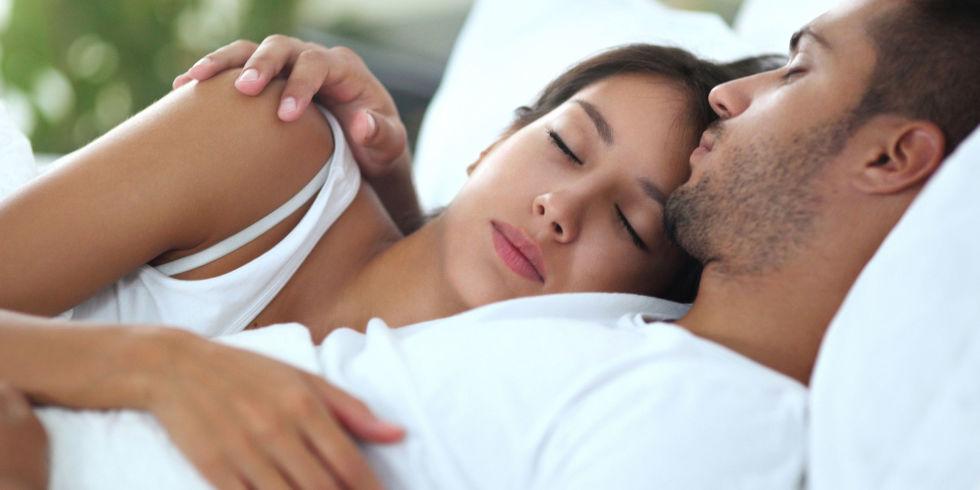 Stimolanti naturali delle funzioni sessuali benessere - Ragazze nel letto ...
