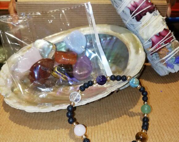 Regalo: smudge e kit dei chakra con bracciale